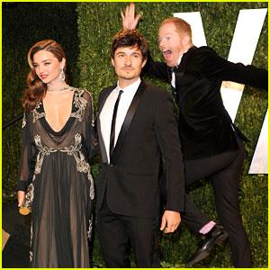 Jesse Tyler Ferguson Photobombs Miranda Kerr at Oscars 2013