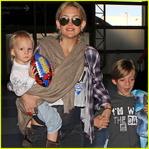 Kate Hudson: LAX Depature with the Little Ones!