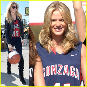 Kate Upton & Anne V: 'Sports Illustrated' Support NCAA!