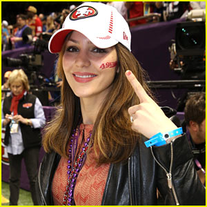 Katharine McPhee: 49ers Pride at Super Bowl Pre-Game Show!