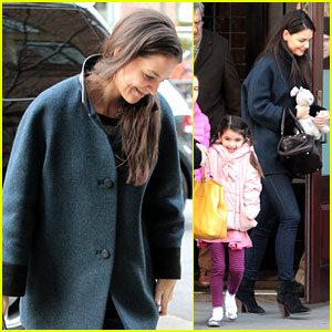 Katie Holmes: Red Pancakes for Suri on Valentine's Day!