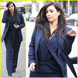 Pregnant Kim Kardashian: Suiting Baby Bump!
