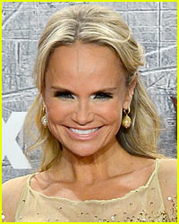 Kristin Chenoweth: Airport Gate Nightmare!