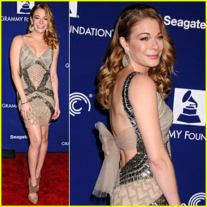 LeAnn Rimes: Grammy Foundation Play It Forward Event!
