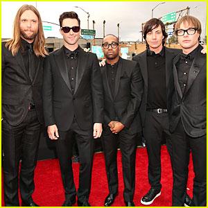 Maroon 5 - Grammys 2013 Red Carpet
