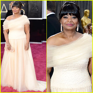 Octavia Spencer - Oscars 2013 Red Carpet