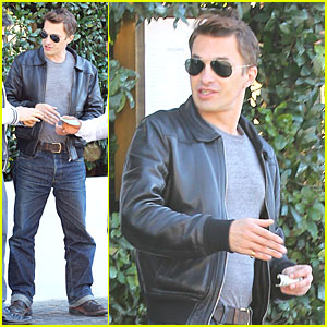 Olivier Martinez: Cecconi's Restaurant Stop!