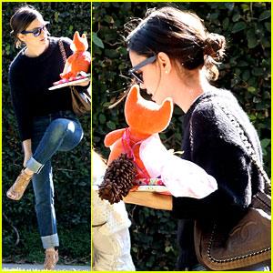 Rachel Bilson: Kristen Bell's Baby Shower!
