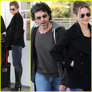 Renee Zellweger Departs LAX After 'Chicago' Cast Oscar News