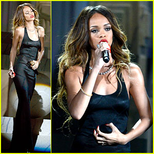 Rihanna: Grammys 2013 Performance of 'Stay' - WATCH NOW!
