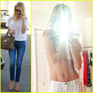 Rosie Huntington-Whiteley: Topless in Cher Coulter's Jeans!