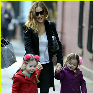 Sarah Jessica Parker: Morning Walk with the Twins