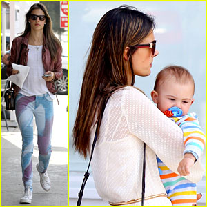 Alessandra Ambrosio: Country Mart with Anja & Noah!