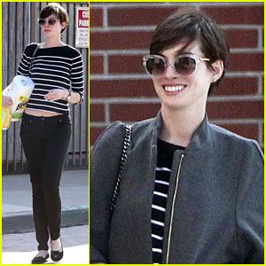Anne Hathaway: Cafe Gratitude Gal!