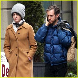 Anne Hathaway: Monday Morning Stroll with Adam Shulman!