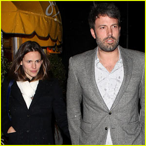 Ben Affleck & Jennifer Garner: Sam's by the Beach Dinner Date!