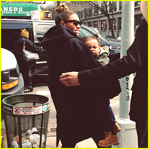 Beyonce & Blue Ivy: Brooklyn Lunch Pair!