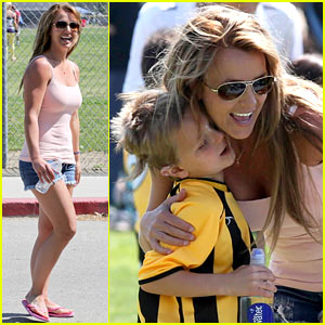 Britney Spears: Proud Soccer Mom!