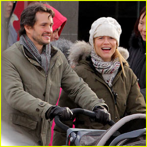 Claire Danes & Hugh Dancy: Family Day with Baby Cyrus