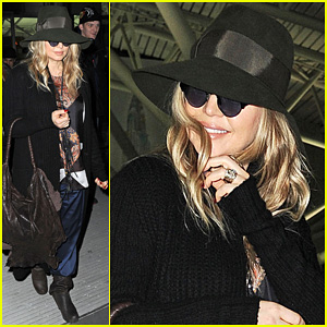 Fergie: NYC Arrival for 'GMA'!