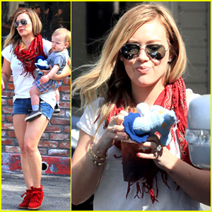 Hilary Duff & Mike Comrie: Charlie's Pantry with Baby Luca!