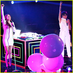 Icona Pop: 'I Love It' on 'Dancing with the Stars'!