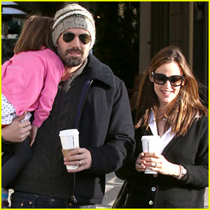 Ben Affleck & Jennifer Garner: Starbucks with Sera!