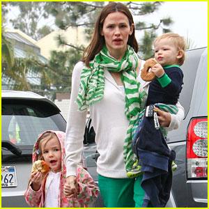 Jennifer Garner: St. Patrick's Day Shopping with Seraphina & Samuel