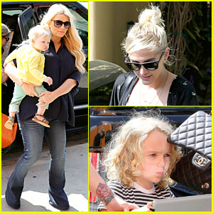 Jessica & Ashlee Simpson: Don Cuco Sisters Duo!