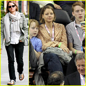 Jodie Foster: Errands After Tennis Match with Charlie & Kit!