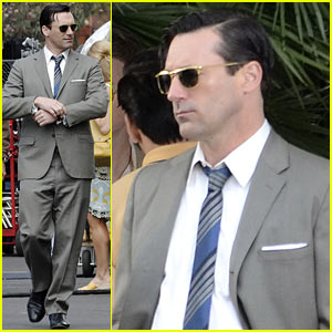 Jon Hamm is 'So Generous & So Funny', Says Jessica Pare