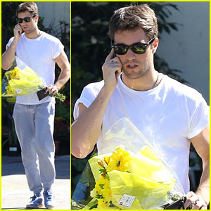 Josh Bowman: Flower Delivery Guy!