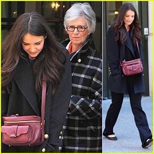 Katie Holmes: Lunch Date with Mom!