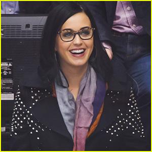 Katy Perry: Los Angeles Kings Game!