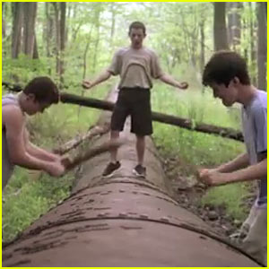 Nick Robinson & Moises Arias: 'Kings of Summer' Teaser Trailer!