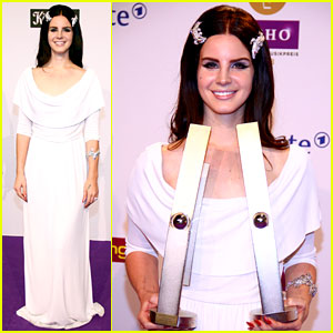 Lana Del Rey: Echo Awards Winner!