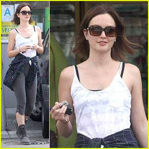 Leighton Meester: Yoga Lover!