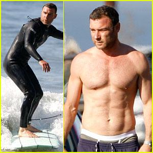 Liev Schreiber: Shirtless Surfing Stud!