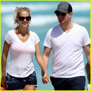 Michael Buble & Pregnant Wife Luisana Lopilato: Having a Boy!