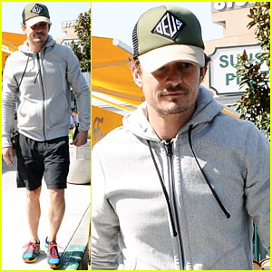 Orlando Bloom Steps Out After Miranda Kerr's Car Accident