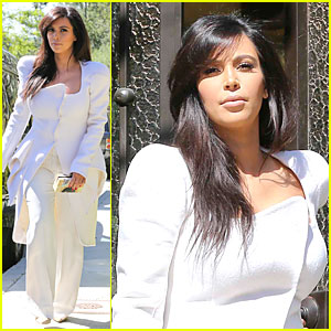 Pregnant Kim Kardashian Can't Wait to Show Off Baby Bump!