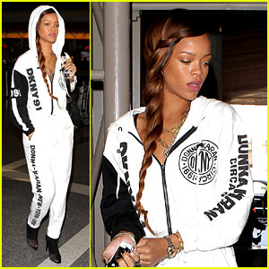Rihanna: All White LAX Departure