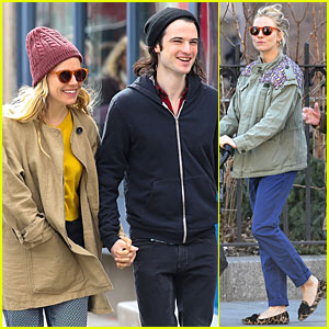 Sienna Miller & Tom Sturridge Hold Hands in NYC!