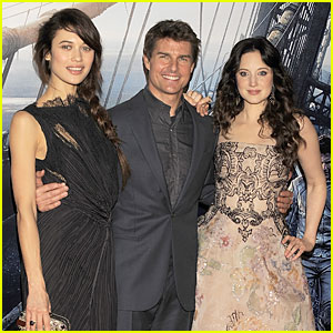 Tom Cruise & Olga Kurylenko: 'Oblivion' World Premiere!