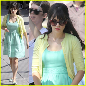 Zooey Deschanel: Sexual Tension Leads to a Freakin' Hot Kiss!