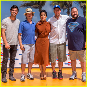 adam-sandler-taylor-lautner-grown-ups-2-in-cancun.jpg