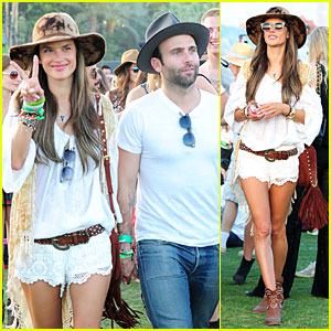 Alessandra Ambrosio & Jamie Mazur: Coachella Hats Pair!