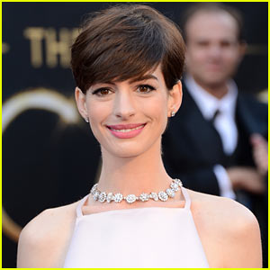 Anne Hathaway: Not Starring on Broadway in 'Cabaret'!