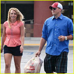 Britney Spears & David Lucado: Saturday Ralphs Run!