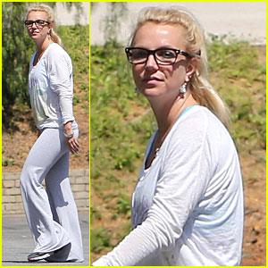Britney Spears: Rehearsal Studio Gal!